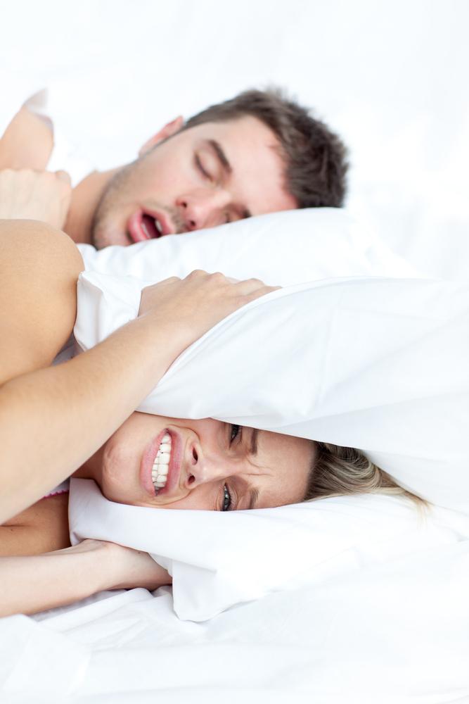 Как сделать чтобы мужчина не храпел ночью