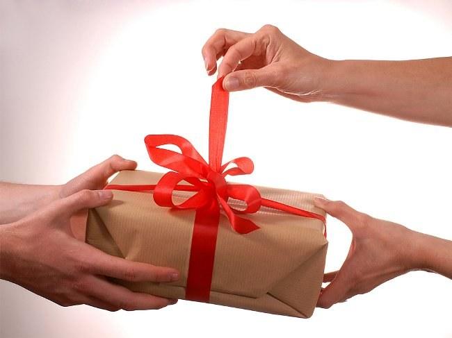 Как мужчине намекнуть о подарке