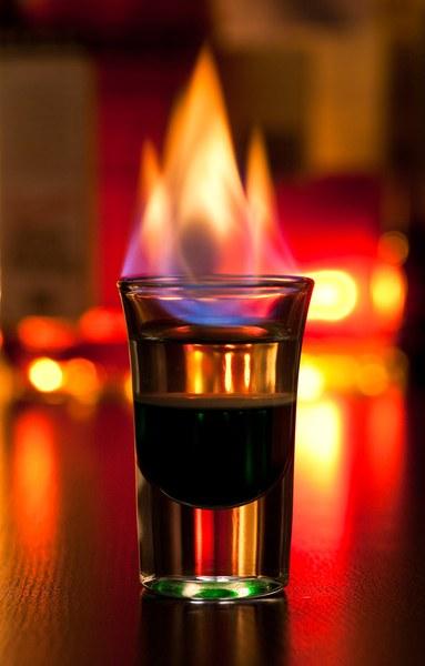 Как пить коктейль Б-52 :: Коктейли :: KakProsto.ru: как просто ...