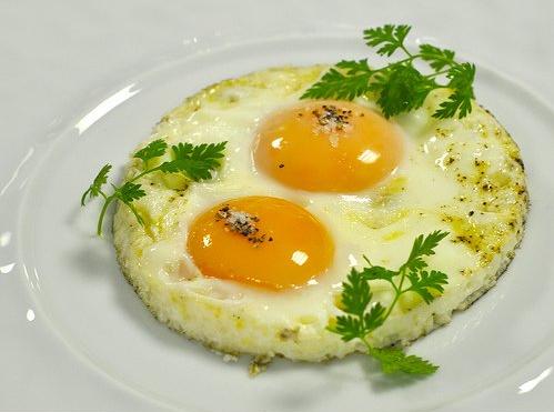 Зажарить яйцо в микроволновке — pic 9