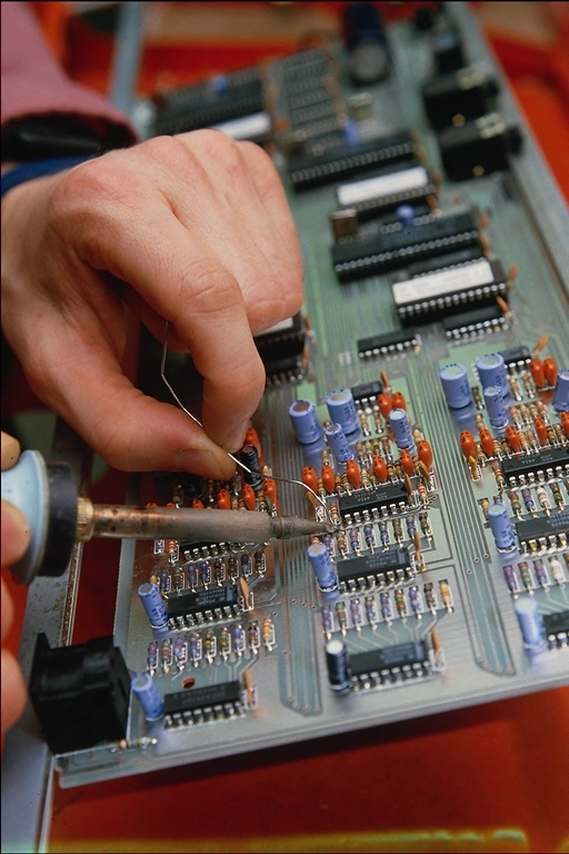Как ремонтировать электронику