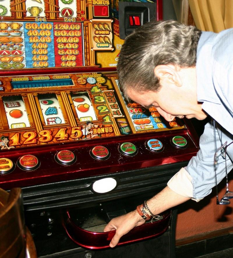 Как бросить играть в игровые автоматы видео игровые автоматы в солнцево