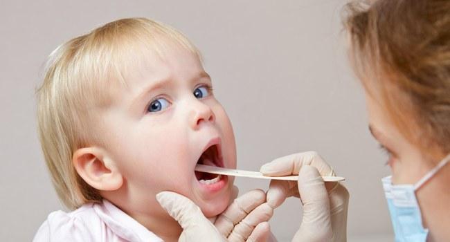 Как ребенку обезболить горло