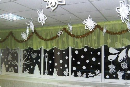 Украшение на окно класса к новому году