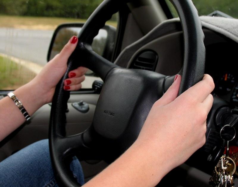 нужно ли менять водительское удостоверение при смене фамилии: