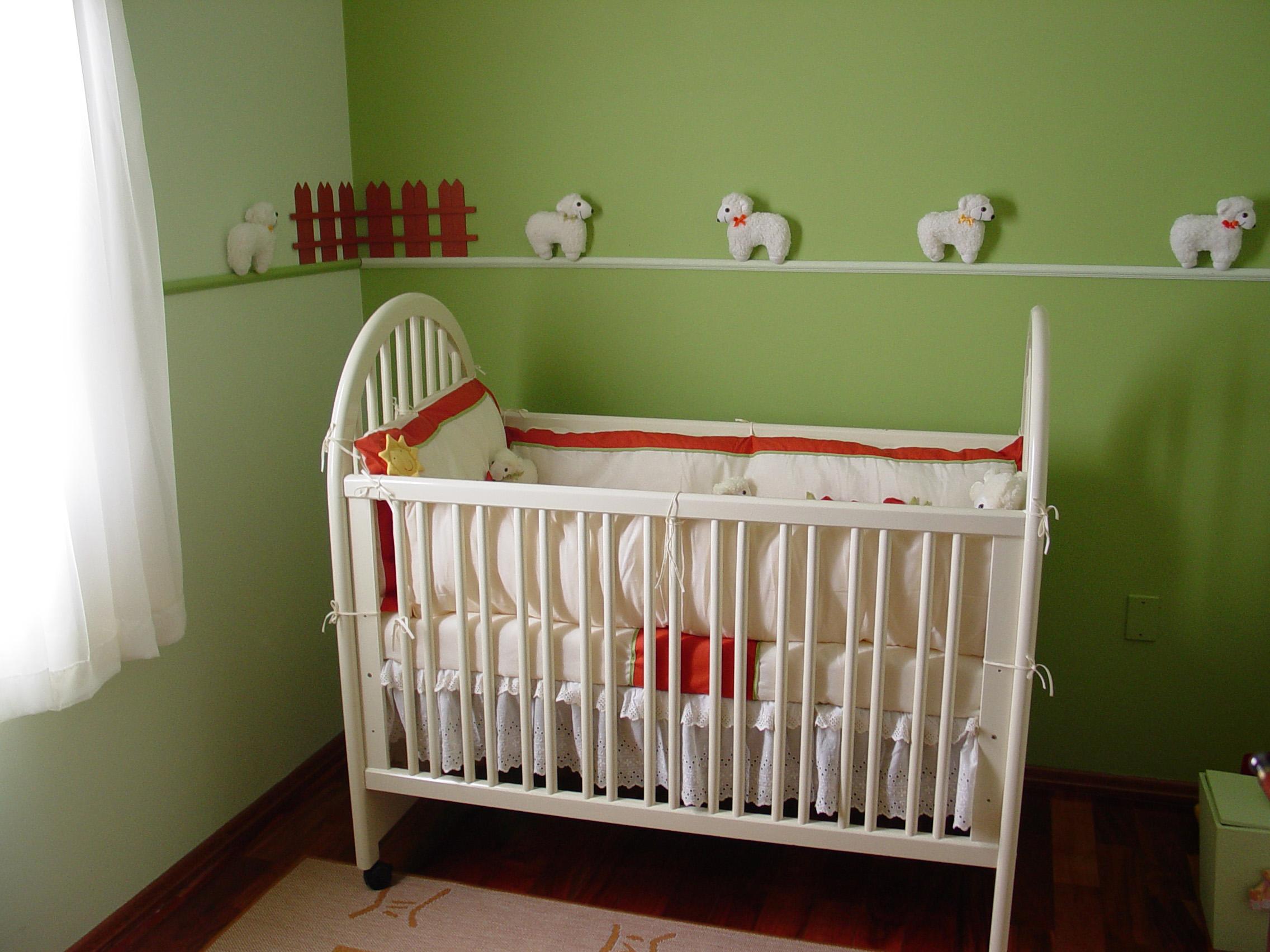 Обновить детскую кроватку своими руками