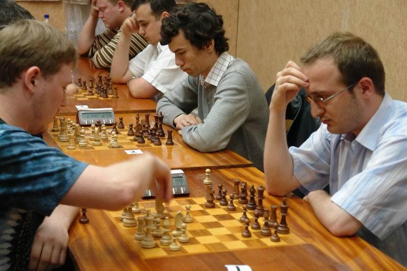 Картинки по запросу фото шахматисты играют блиц