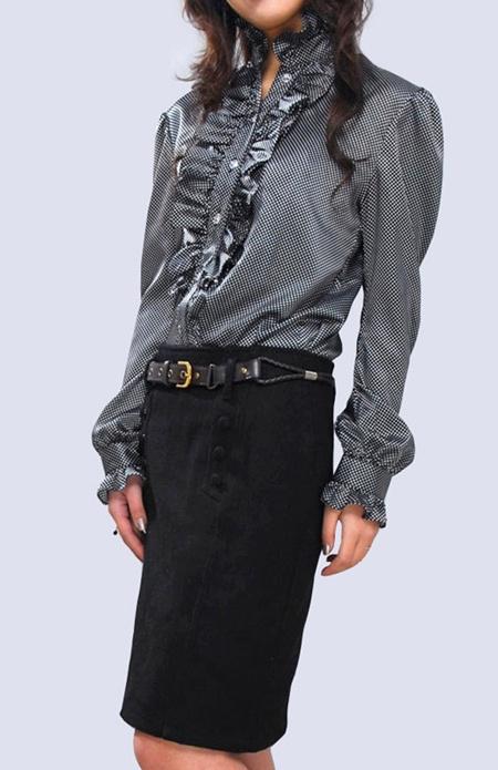 Секс в шелковой блузке