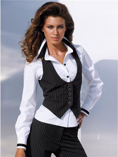 Единого модного фасона жилета не существует. Дизайнеры предлагают самые разные модели: длинные, короткие, приталенные и свободные