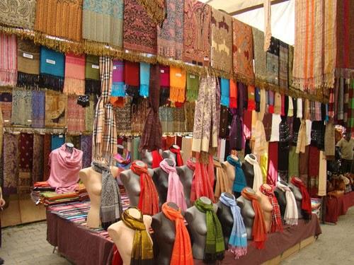 Как в Турции купить одежду оптом 🚩 вывоз одежды из турции 🚩 Бизнес ... d0d7d2fecc7