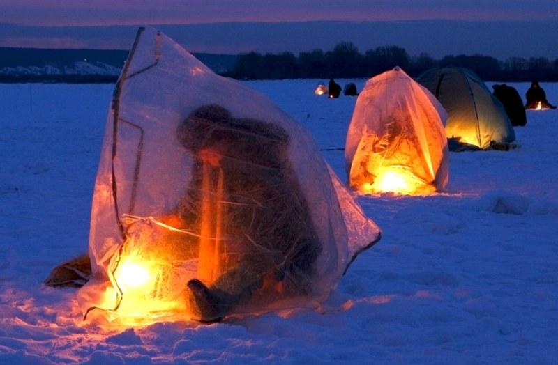 в палатке было тепло,