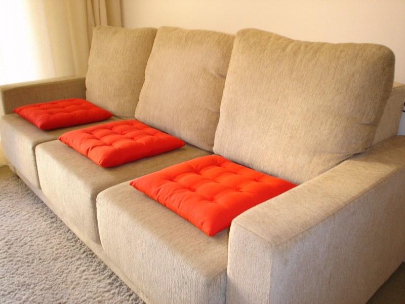 чем отмыть кожанный диван от краски