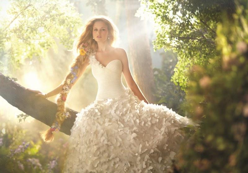Если снится незнакомая девушка в свадебном платье
