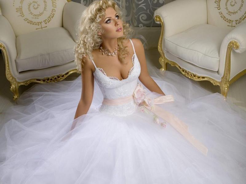 Приснился сон что я выбираю свадебное