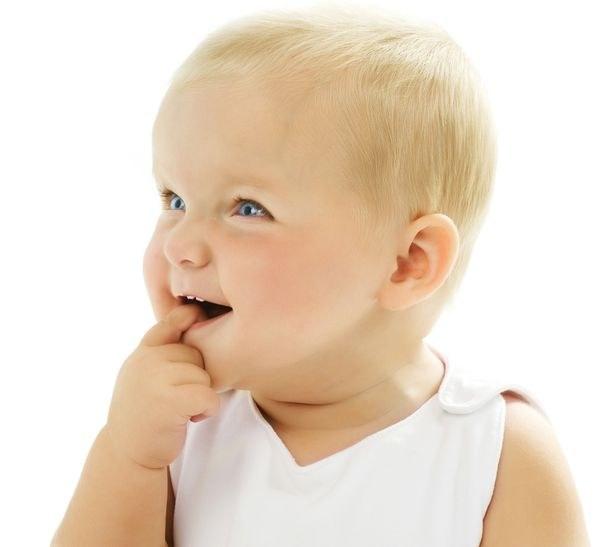 Могут ли болеть глаза при прорезывании зубов