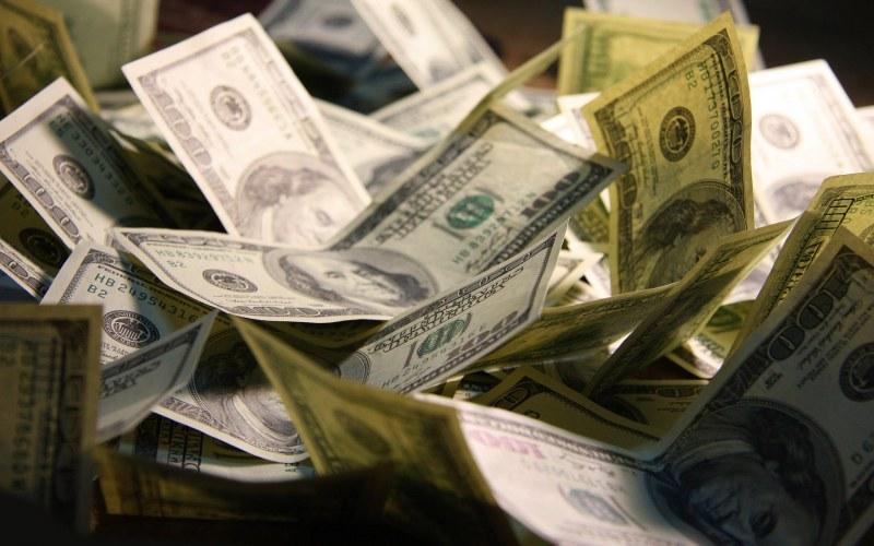 Как заработать легкие деньги нелегально