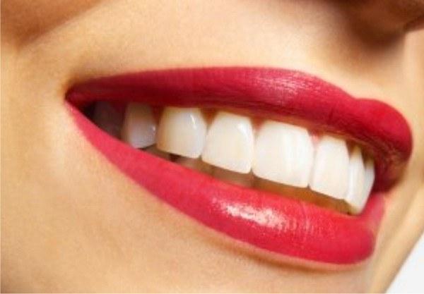 До скольки лет у детей лезут зубы