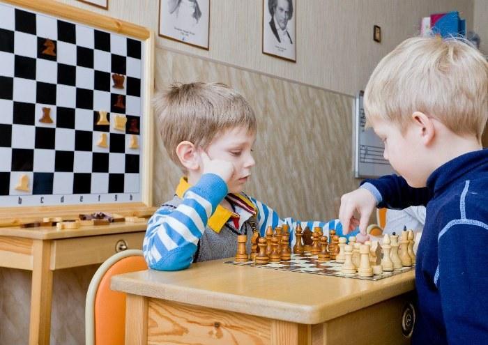 качества развивают шахматы