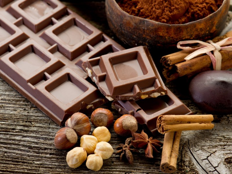 Норма горького шоколада в сутки