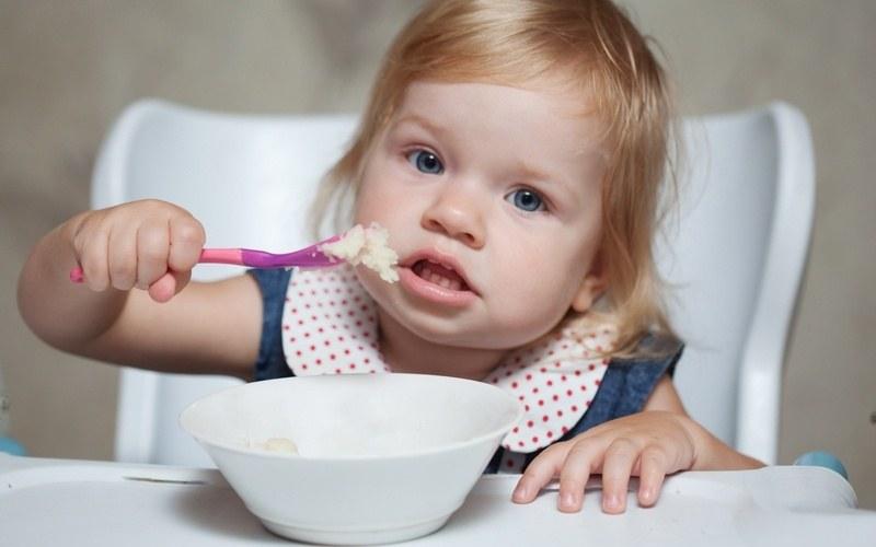 Сколько должен съедать за обедом годовалый ребенок 🚩 годовалый ребенок рацион 🚩 Развитие ребенка