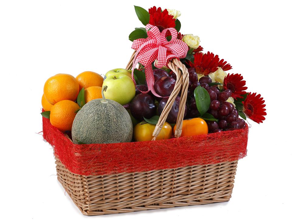 Оформить фруктовую корзину