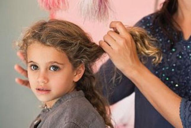 У ребёнка седой волос почему