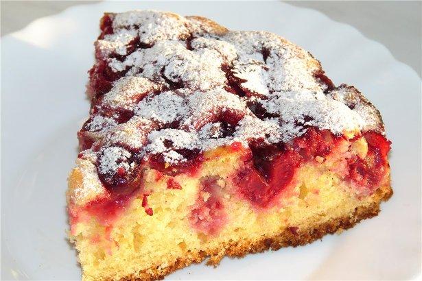 Пирог быстро и вкусно с вишней