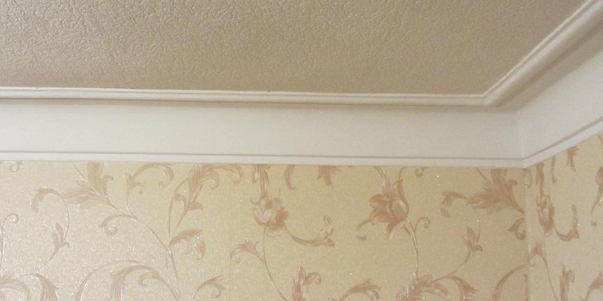 плинтус потолочный из пенопласта фото