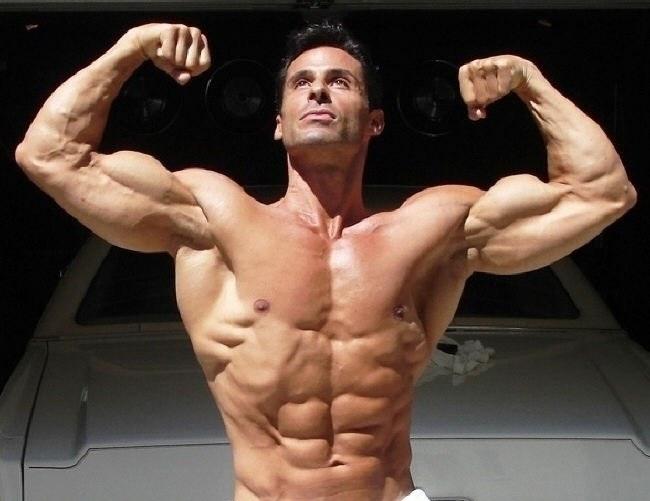 в 18 лет колол стероиды