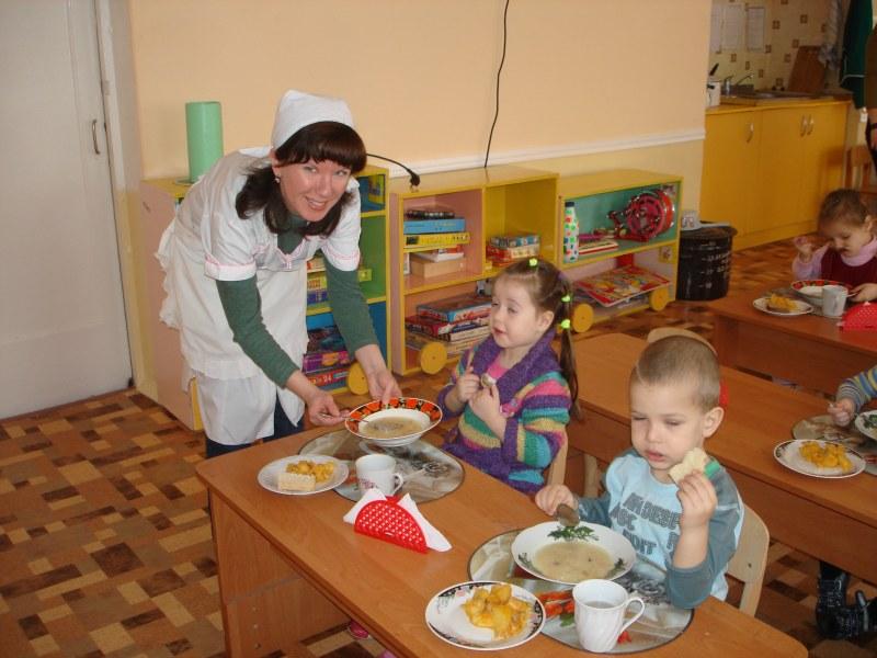 Должностная инструкция младшего воспитателя в детском саду