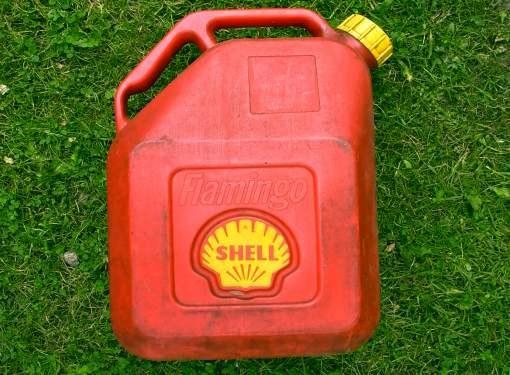 Куда деть отработанное моторное масло? Бытовое использование