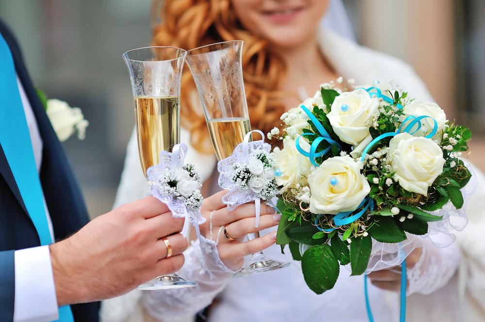 Сколько на свадьбу покупать алкоголя