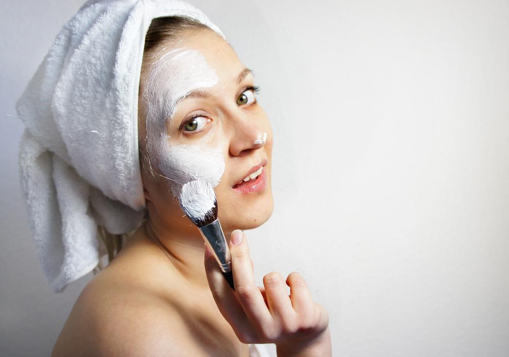 Маска для лица из белой глины для любого типа кожи