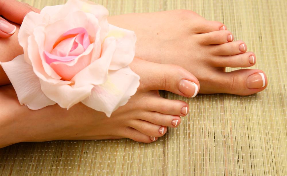 Чем лечить палец если оторвало ноготь