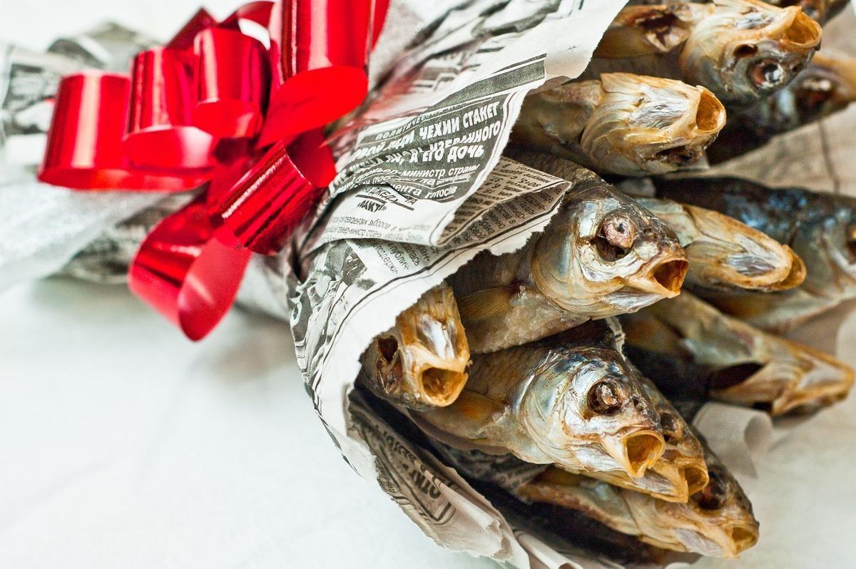 Подарок мужчине-рыбы доставка цветов по лазаревскому району