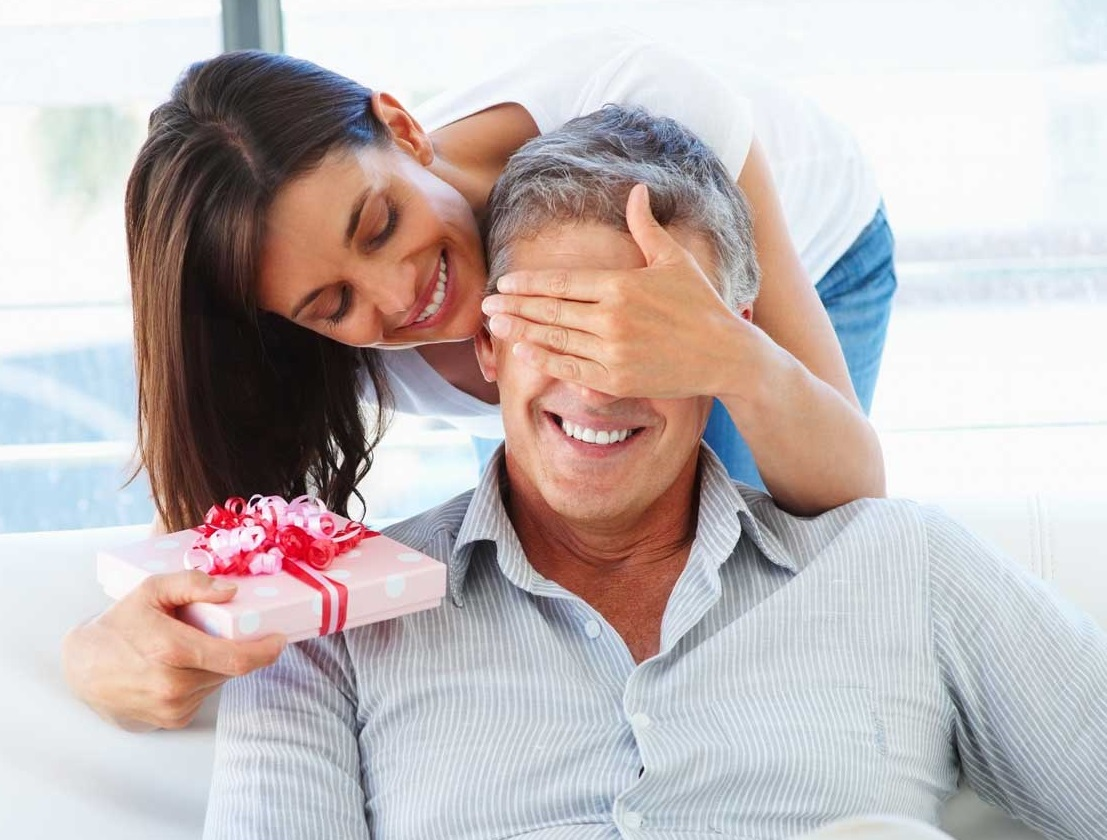 Подарок деве - мужчине розы садовые купить в алматы