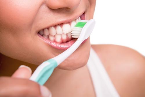 Сколько раз в день можно чистить зубы