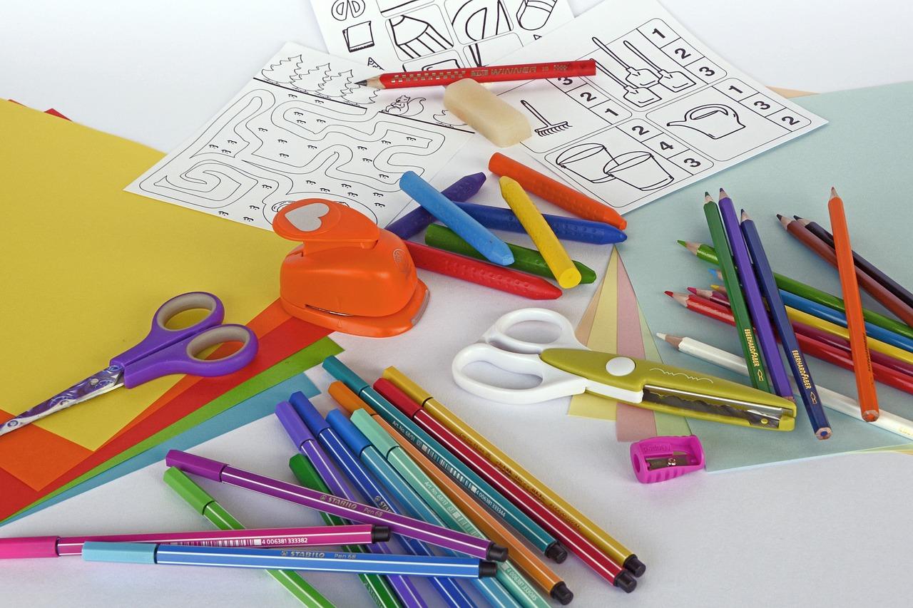 Что нужно ребенку в первый класс, список одежды в школу