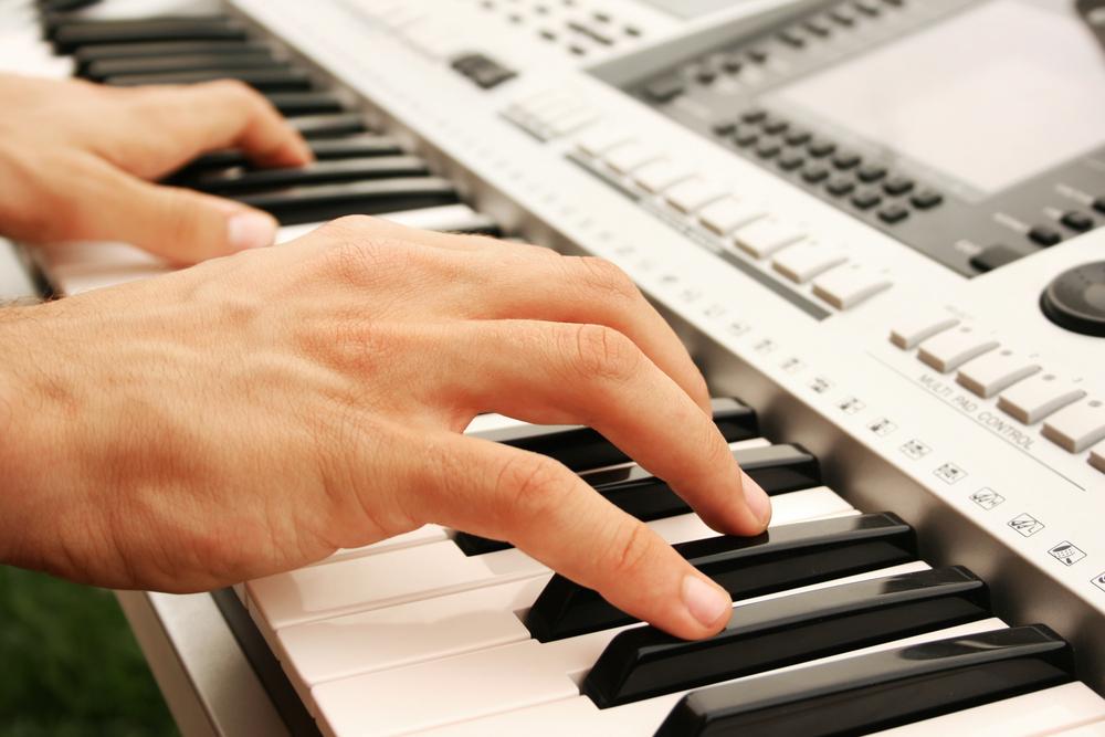 Картинки игры на синтезаторе