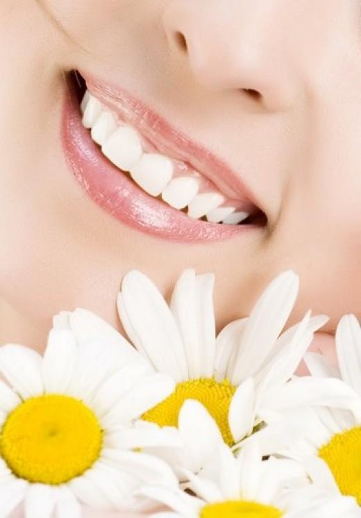 чем безопасно отбелить зубы