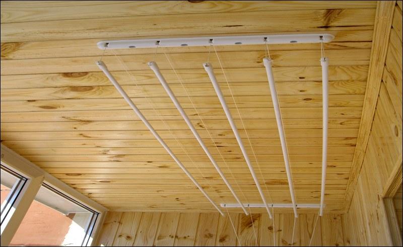 Как самому установить потолочную сушилку на балконе..