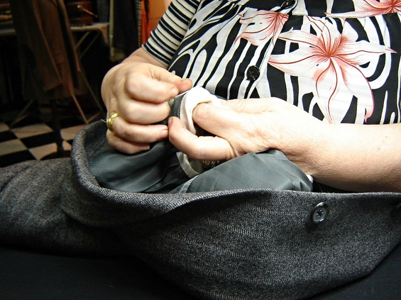Почему нельзя шить на себе одежду