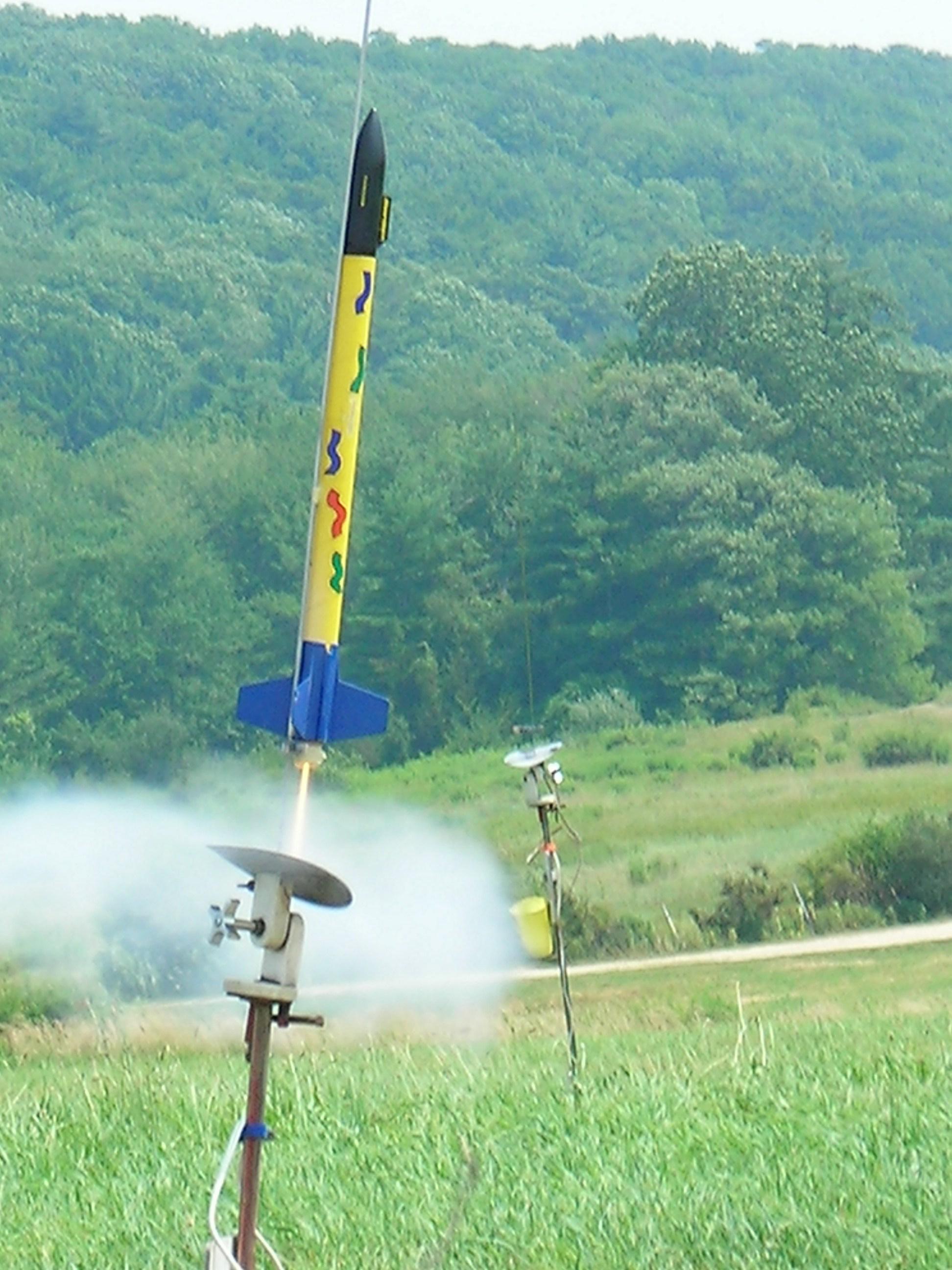 Как сделать ракету которая полетит