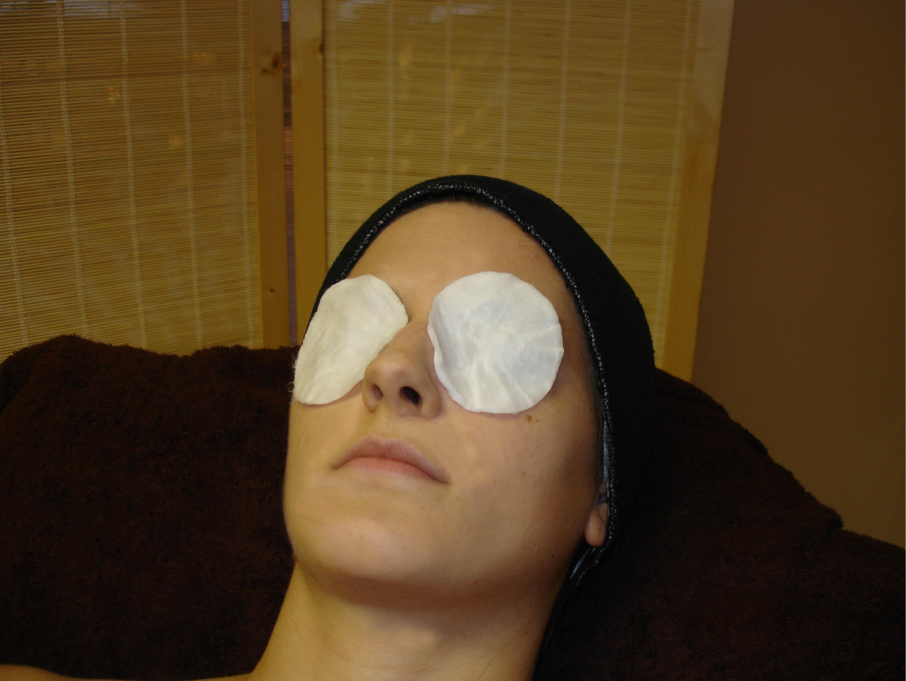 5 способов как убрать круги под глазами в домашних условиях
