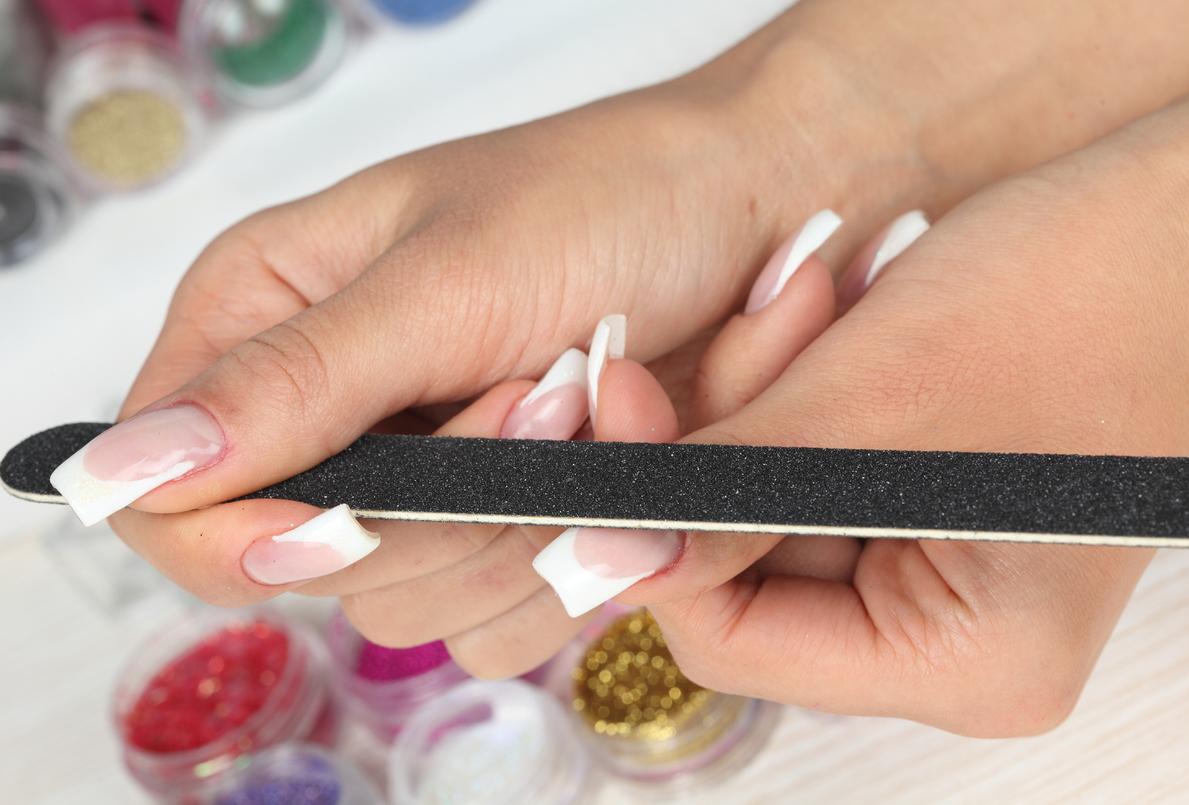 Как можно нарастить ногти в домашних условиях