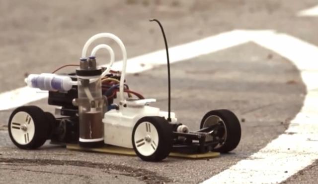 Как сделать из простой машинки машинку с моторчиком