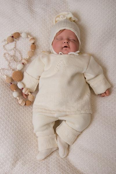 Видео как вязать шапочки для новорожденных