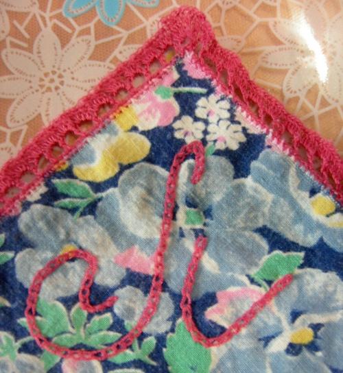 Вышивание на листе