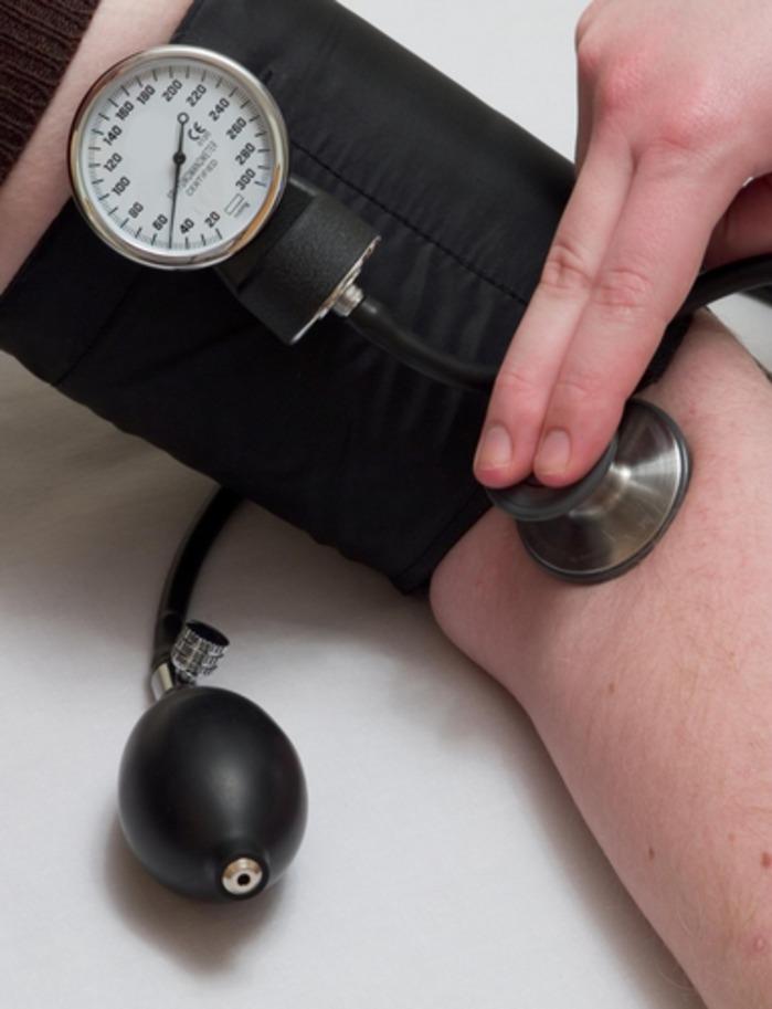 Электрический прибор для измерения артериального давления