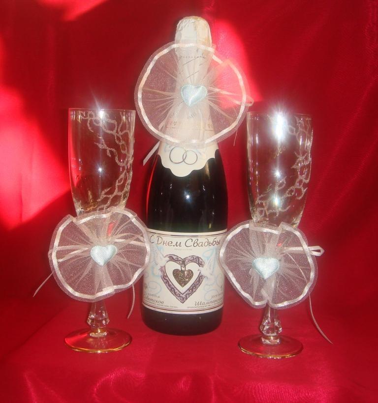 Как украсить бутылки своими руками для свадьбы 25